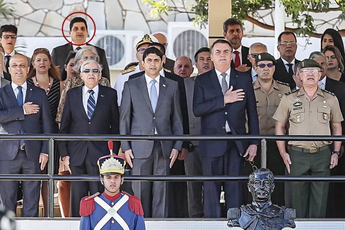 O coronel do Exército Marcelo Costa Câmara (destacado no círculo): assessor especial para investigações, dossiês e caça a petistas infiltrados no governo
