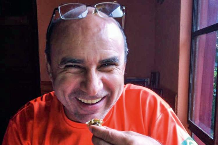 Gilmar Mendes restabelece prisão domiciliar de Queiroz
