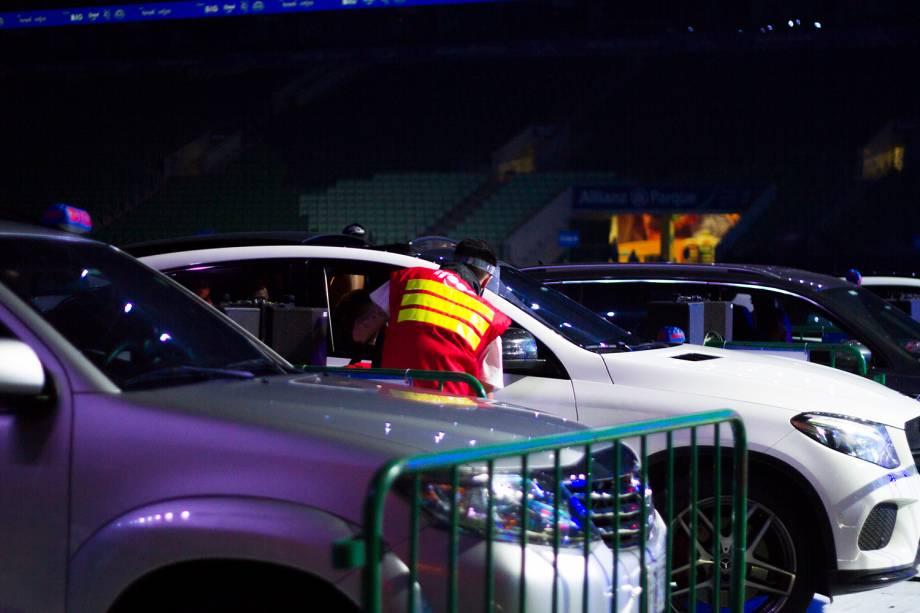 Durante o show era possível realizar pedidos que eram entregues diretamente no carro