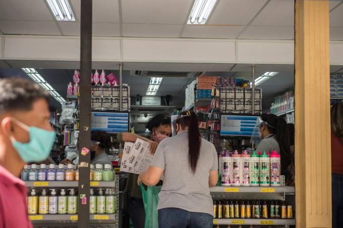 REABERTURA DO COMÉRCIO EM SÃO PAULO-coronavirus-economia-multidao-covid-compras-corona