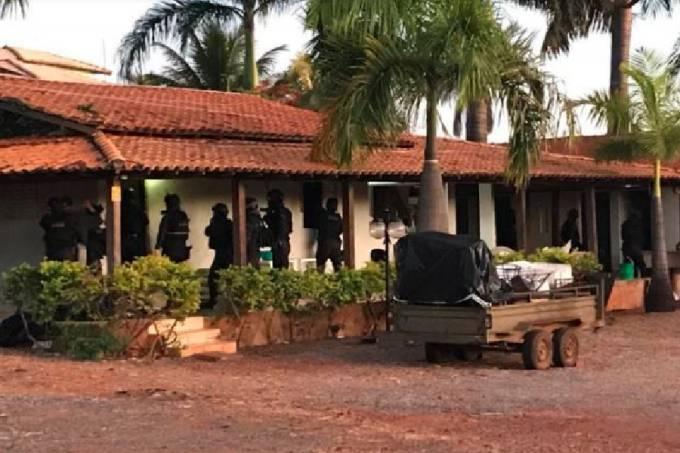 Polícia na chácara do grupo bolsonarista 300 do Brasil