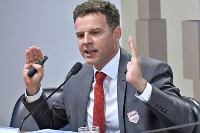 Economista Eduardo Moreira