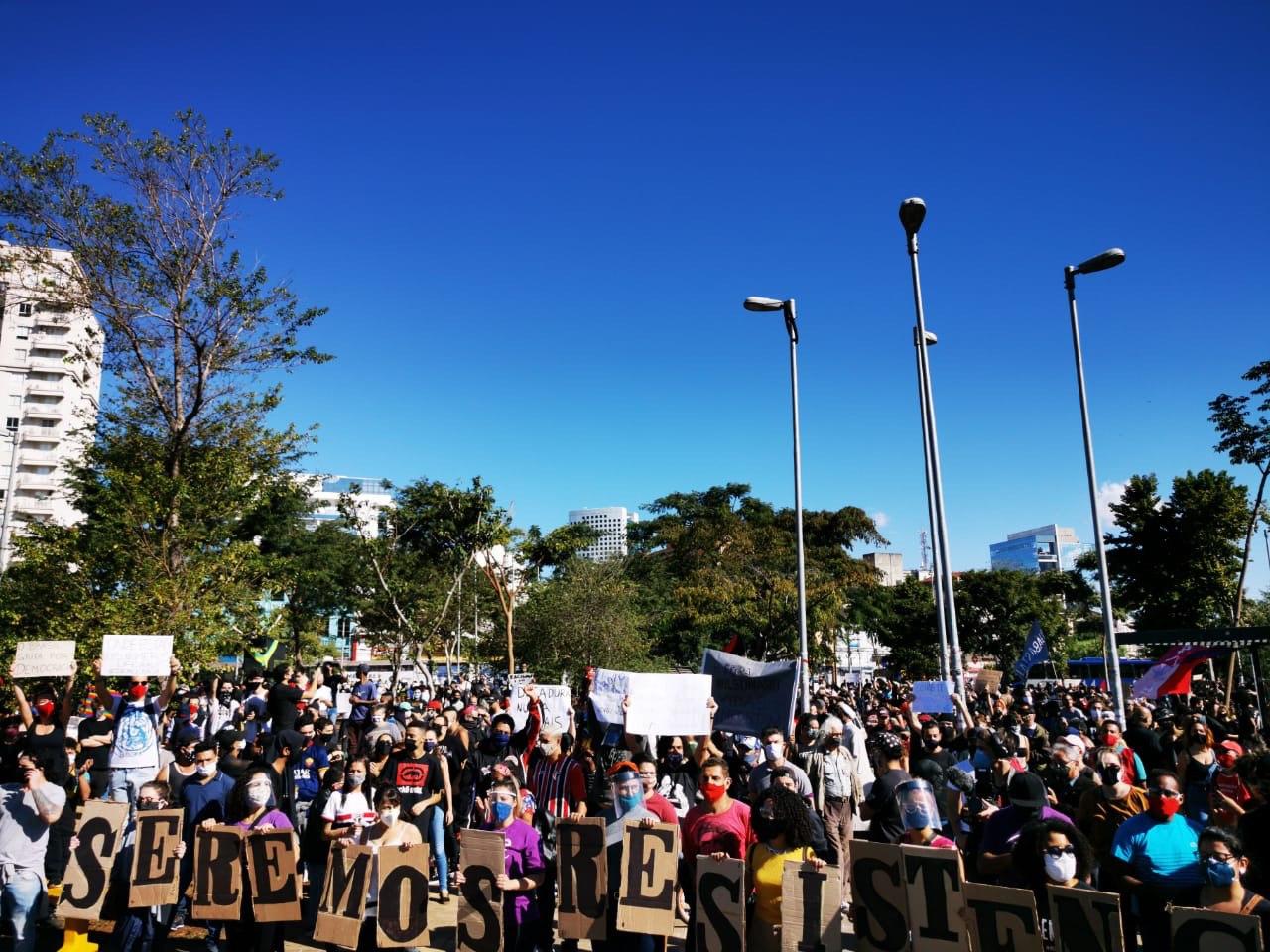 https://veja.abril.com.br/wp-content/uploads/2020/06/largo-da-batata-protesto.jpg