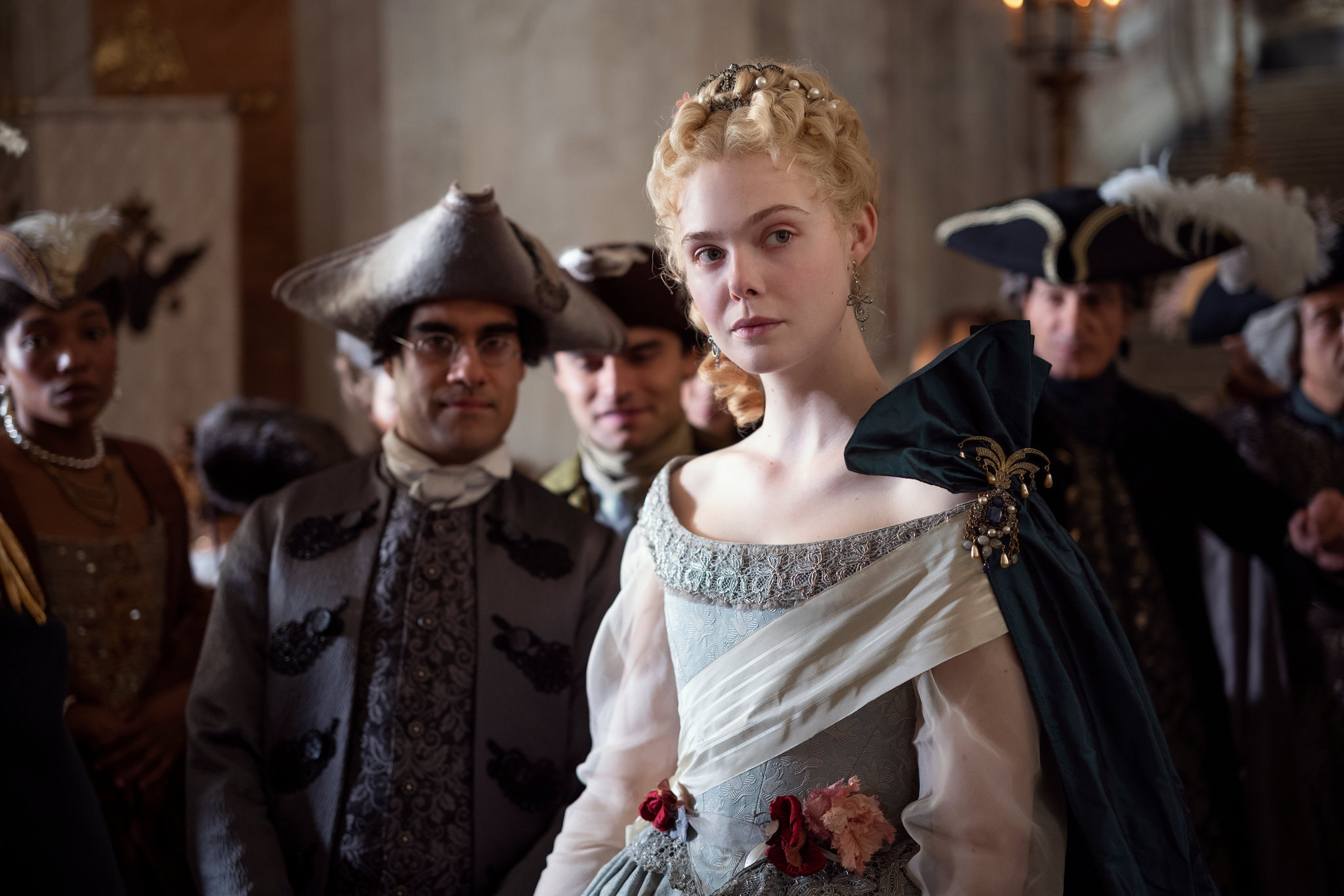 Cena da série 'The Great': Elle Fanning como Catarina, a Grande