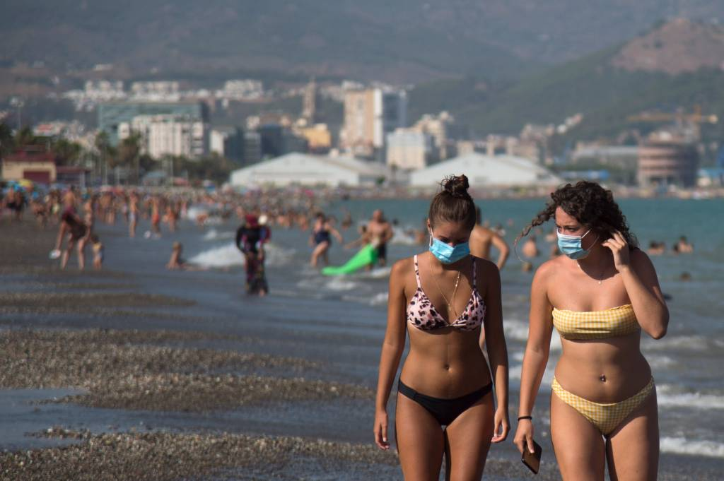 Covid-19: uso de máscara pode ajudar a criar imunidade | VEJA