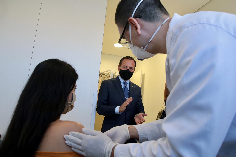 Doria anuncia 6 novos centros de testagem da Coronavac em SP