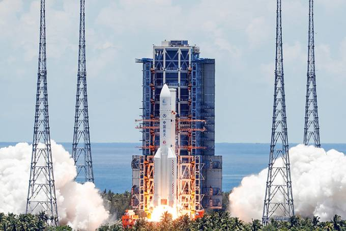 Long March 5 Y-4 rocket carrying unmanned Mars probe of Tianwen-1 mission takes off in Wenchang