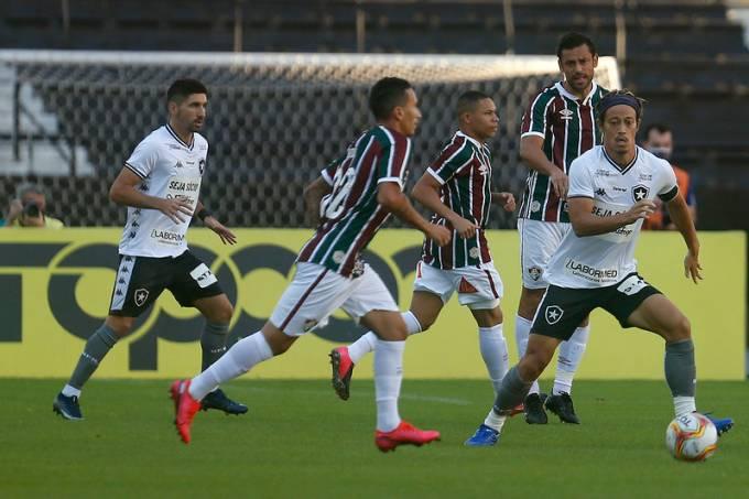 Semifinal da Taça Rio entre Fluminense e Botafogo, no Engenhão