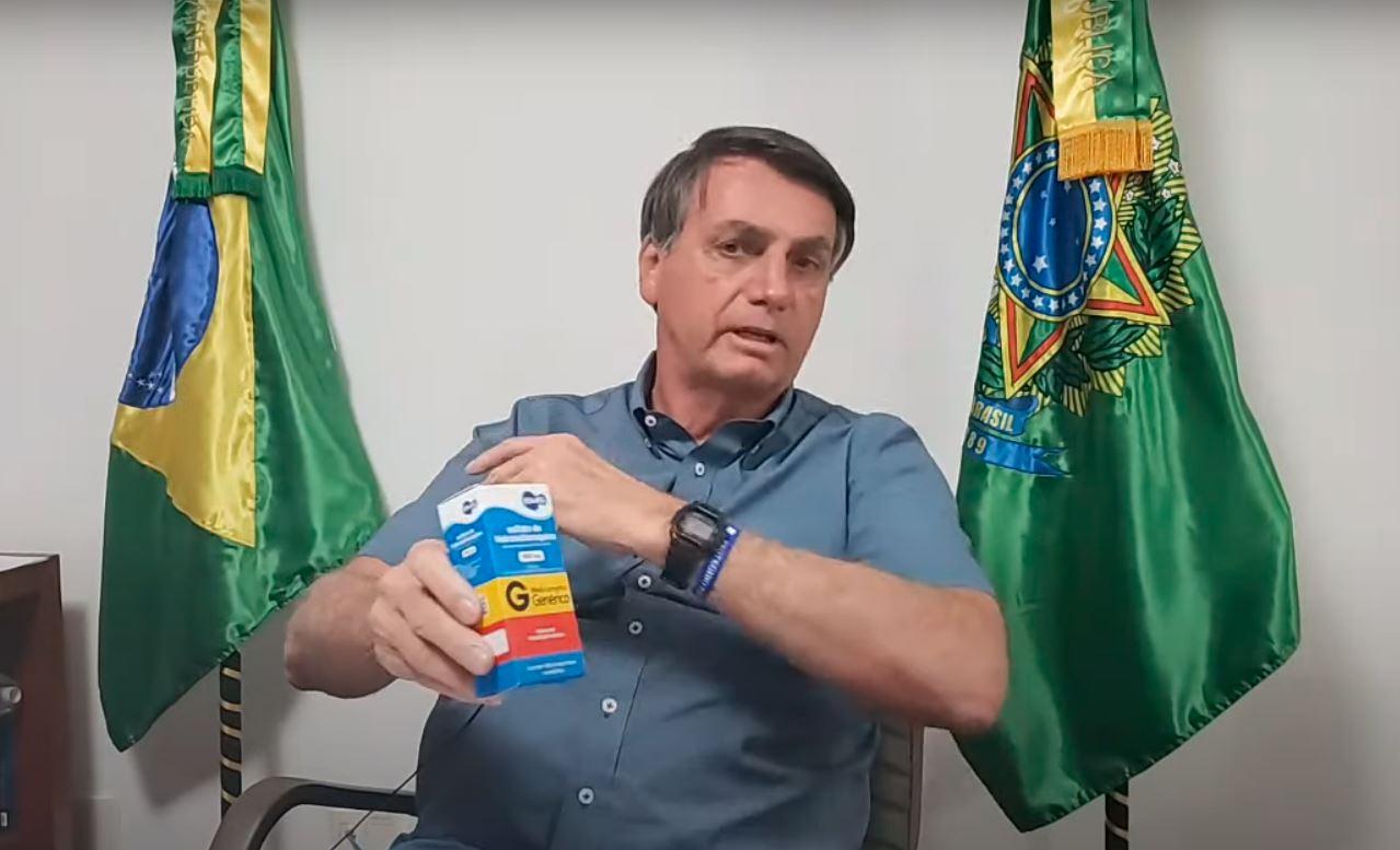 Em live, Bolsonaro diz que espera 'estar curado o mais rápido possível'    VEJA