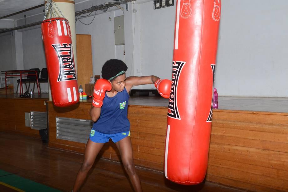 Equipe de boxe durante treinos, em Sangalhos