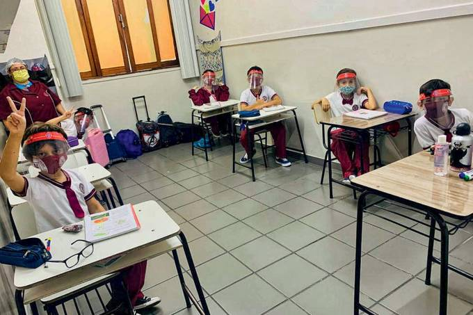 ESCOLA-MANAUS-VOLTA-2020-1.jpg
