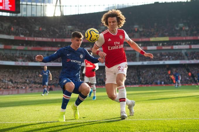 Mason Mount e David Luiz, atrações de Chelsea e Arsenal