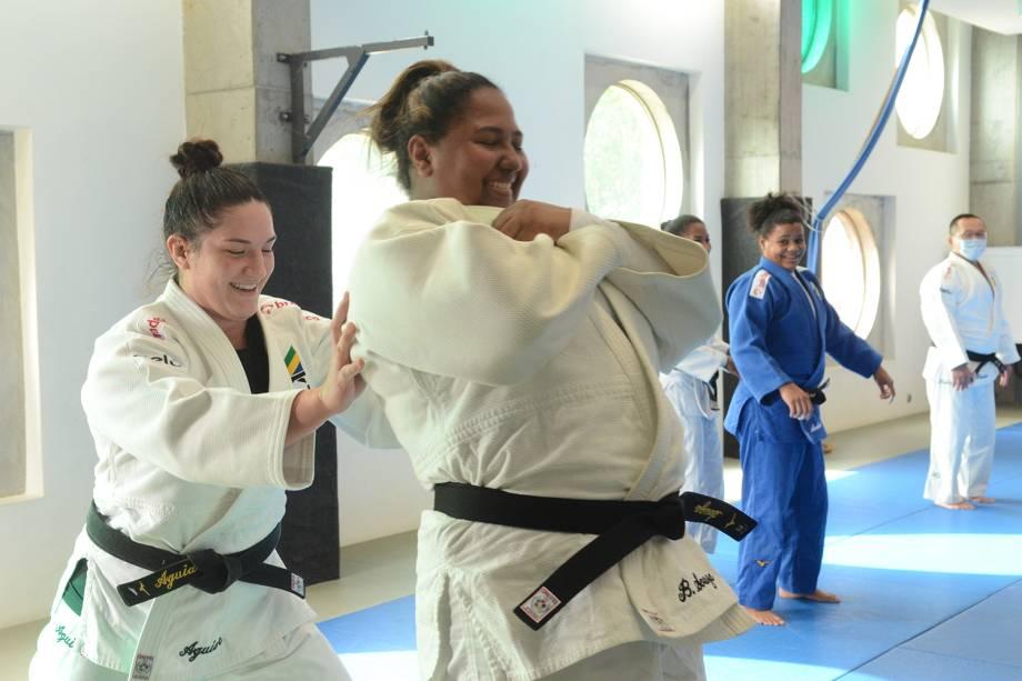 Equipe de judô durante treinos, em Sangalhos