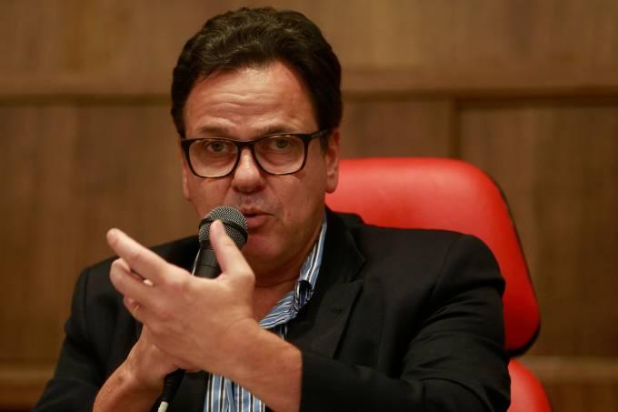 Flamengo fala à imprensa sobre incêndio no Ninho do Urubu.