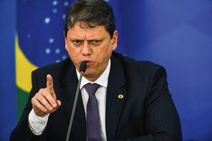 O ministro da Infraestrutura, Tarcísio Gomes de Freitas , durante a coletiva de imprensa no Palácio do Planalto, sobre as ações de enfrentamento no combate ao coronavírus