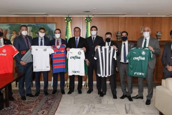 Bolsonaro recebe dirigentes de clubes brasileiros