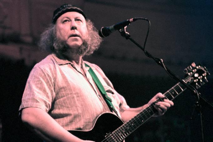O guitarrista Peter Green, um dos fundadores do Fleetwood Mac, em foto de 1996