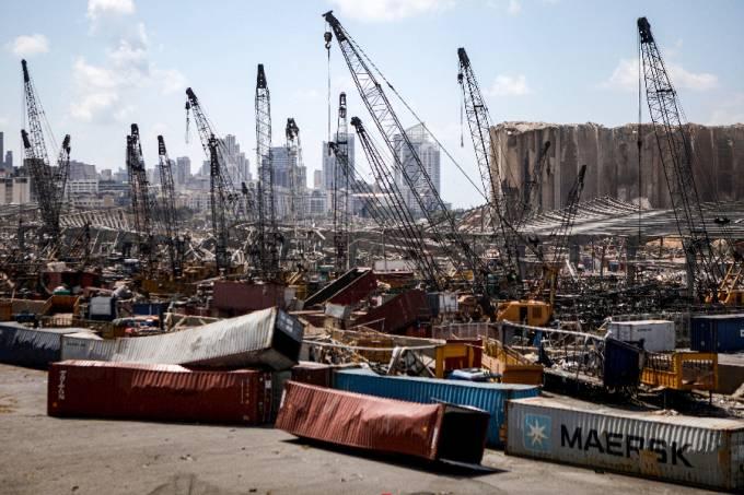 Porto de Beirute, no Líbano, ficou destruído após explosão –