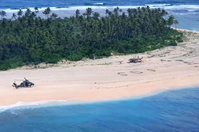 Sailors stranded on a Micronesian island