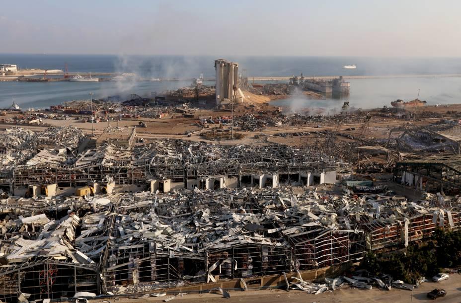 Explosão causou destruição total na área do porto de Beirute - 05/08/2020