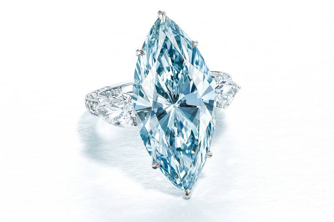 2020_HGK_18896_1947_002(superb_coloured_diamond_and_diamond_ring).jpg