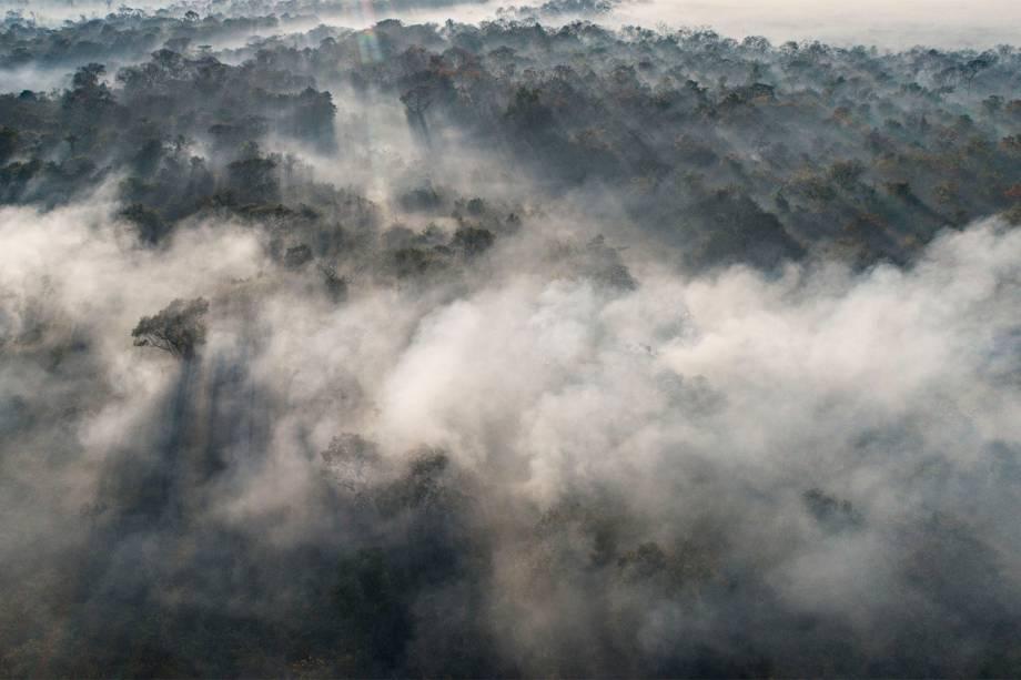 Vista aérea das queimadas