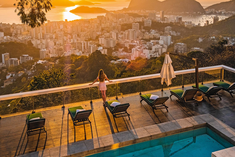 O brasileiro retoma, com cuidado, o prazer de viajar