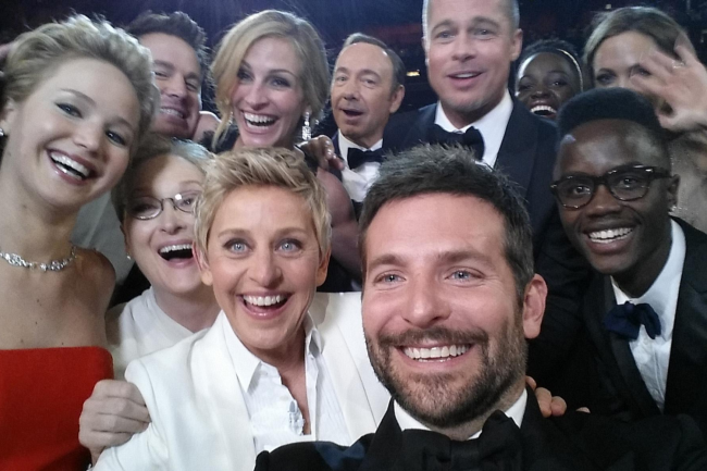 Amiga pessoal de famosos como Brad Pitt e Angelina Jolie