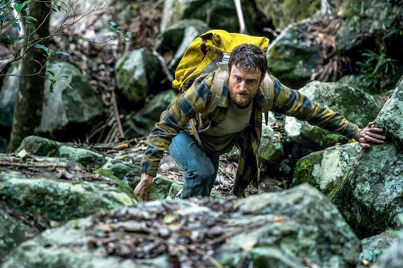 Daniel Radcliffe dá o sangue como mochileiro na Amazônia em 'Na Selva'