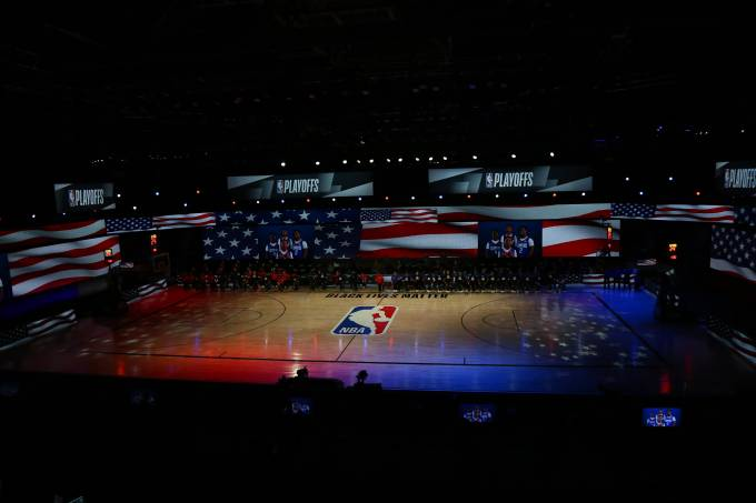 Dallas Mavericks v Los Angeles Clippers – Game One