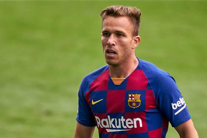 Arthur Melo deixou o Barcelona pela porta dos fundos