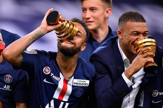 Neymar e Mbappé: em busca de todos os títulos possíveis pelo PSG na temporada