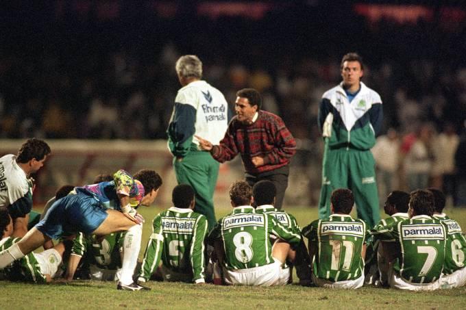 Wanderley Luxemburgo orienta jogadores do Palmeiras na final do Campeonato Pauli