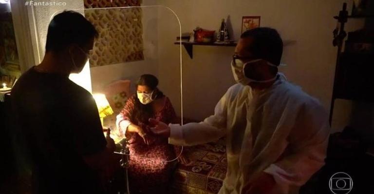 Bastidores de 'Amor de Mãe': divisória transparente permite interação sem contato