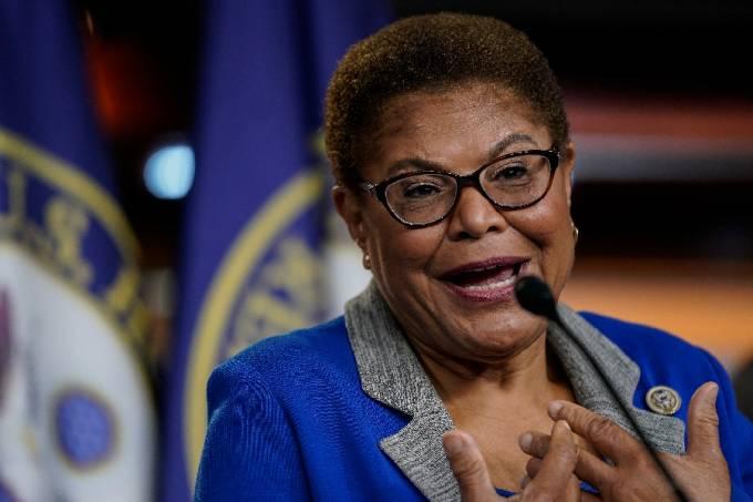 Karen Bass, congressista democrata