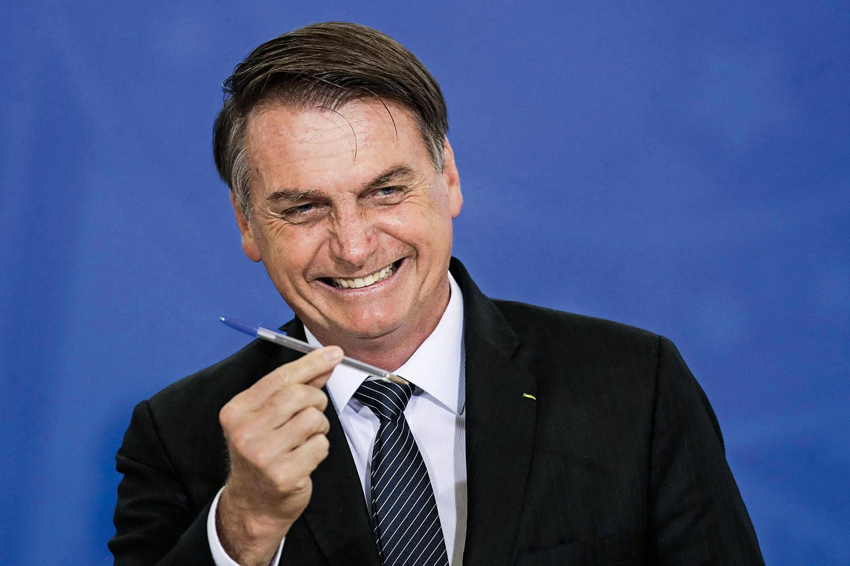 Cacique do MDB sonha em filiar Bolsonaro ao partido