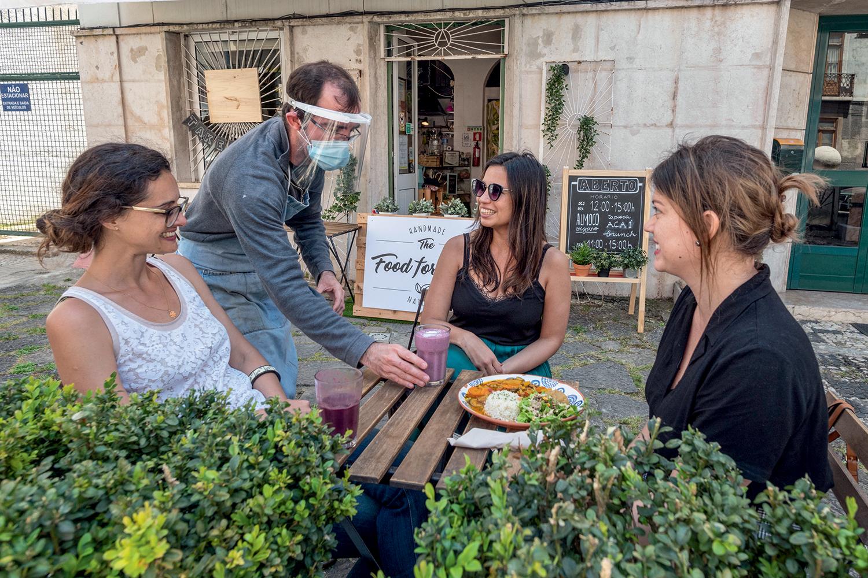 FUGA -Restaurante em Lisboa: com desejo de morar fora, brasileiros entraram com mais pedidos de visto em Portugal -