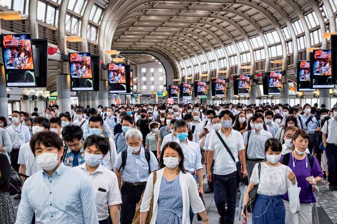Japan Eases Lockdown As Coronavirus Cases Continue To Rise