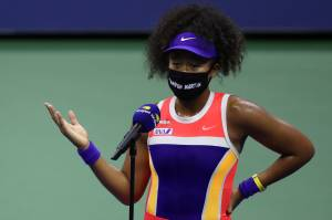 Naomi Osaka usou máscara em homenagem a Trayvon Martin, jovem morto em 2012