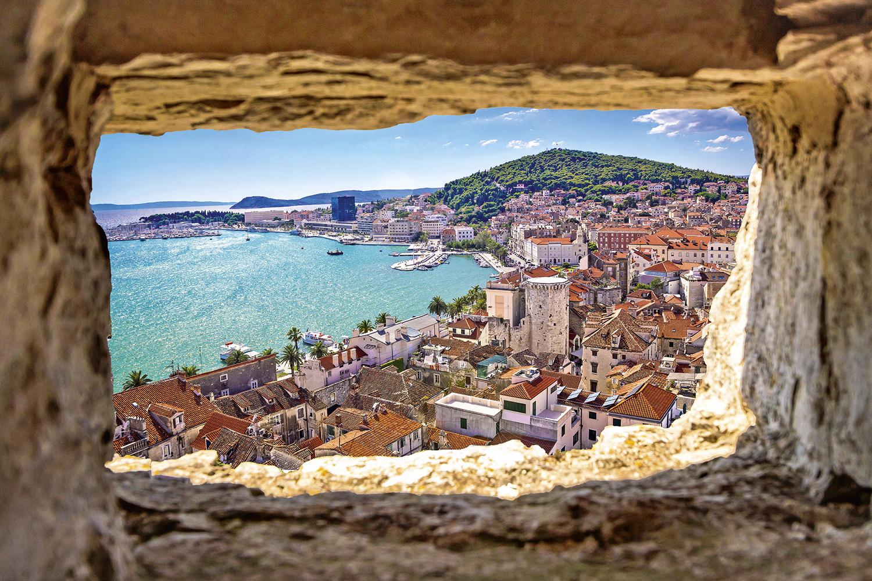 JANELA EUROPEIA -Praia da Croácia: o único país da UE que admite turistas com passaporte do Brasil -
