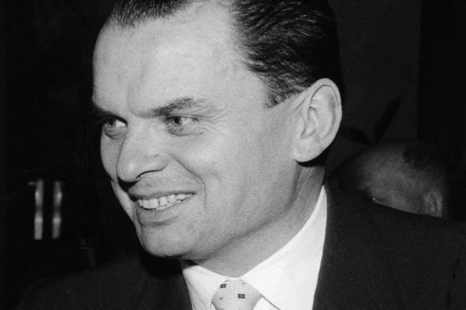 Bauer, Alfred – Filmhistoriker, D