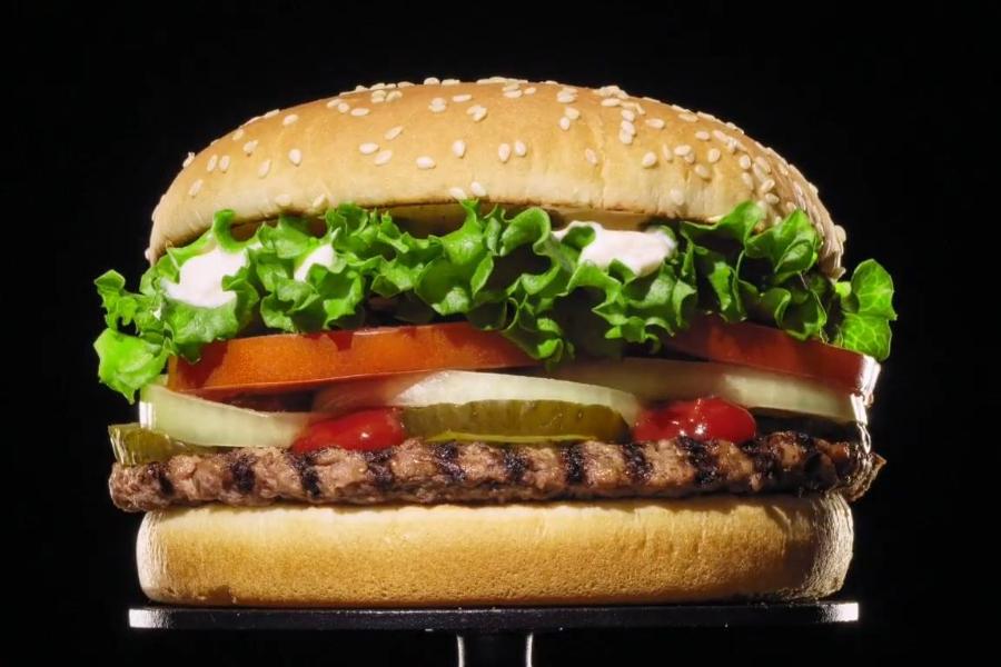 Promoção do Burger King inicia guerra do hambúrguer na Black Friday