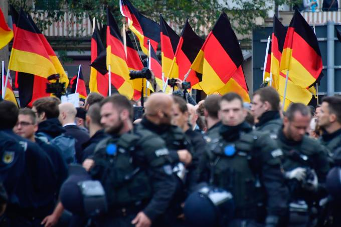 FILES-GERMANY-POLITICS-POLICE-FARRIGHT