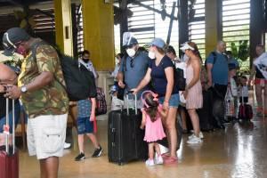 Furacão 'extremamente perigoso' se aproxima de Cancún, no México