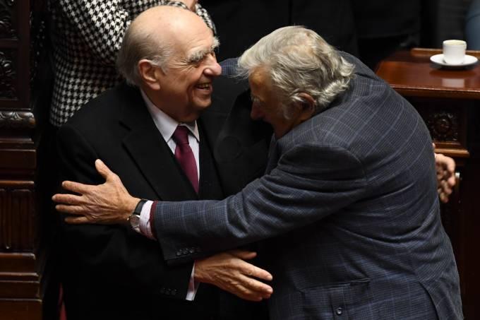 José Mujica Renuncia Senado Uruguai