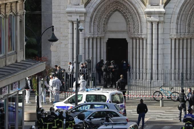 Ataque a faca em Nice – França