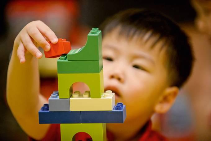 PHILIPPINES-DENMARK-TOYS-LEGO