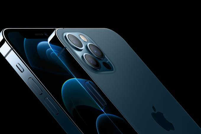 Apple_announce-iphone12pro_10132020