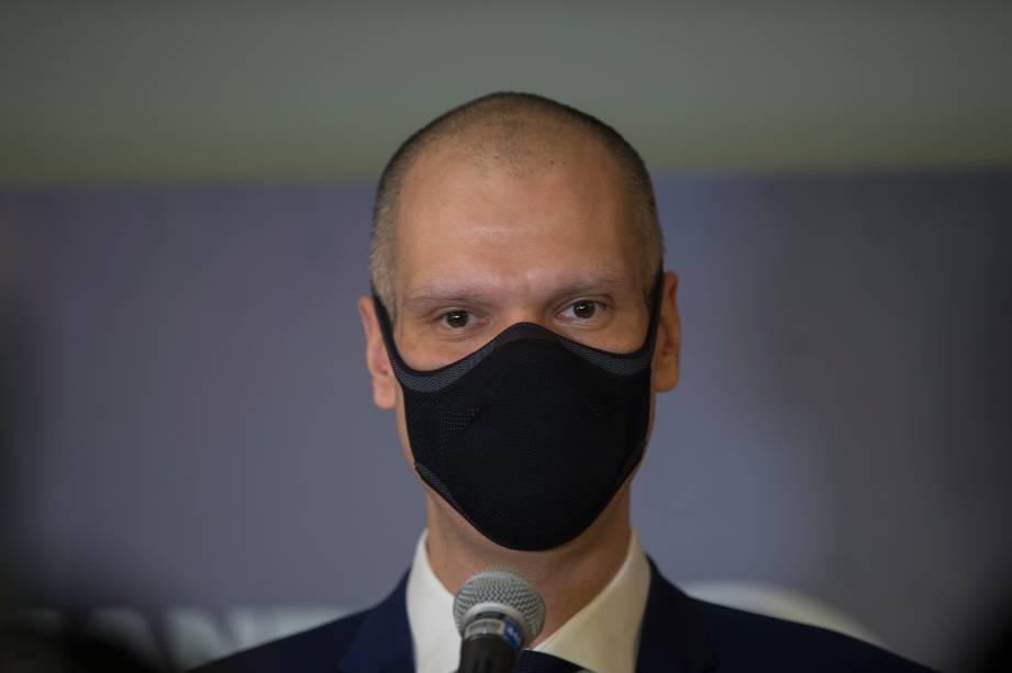 Bruno Covas (PSDB) durante sua chegada ao primeiro debate eleitoral para a prefeitura de São Paulo -