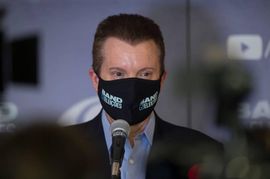 O candidato Celso Russomano (Republicanos) durante sua chegada ao primeiro debate eleitoral para a prefeitura de São Paulo -